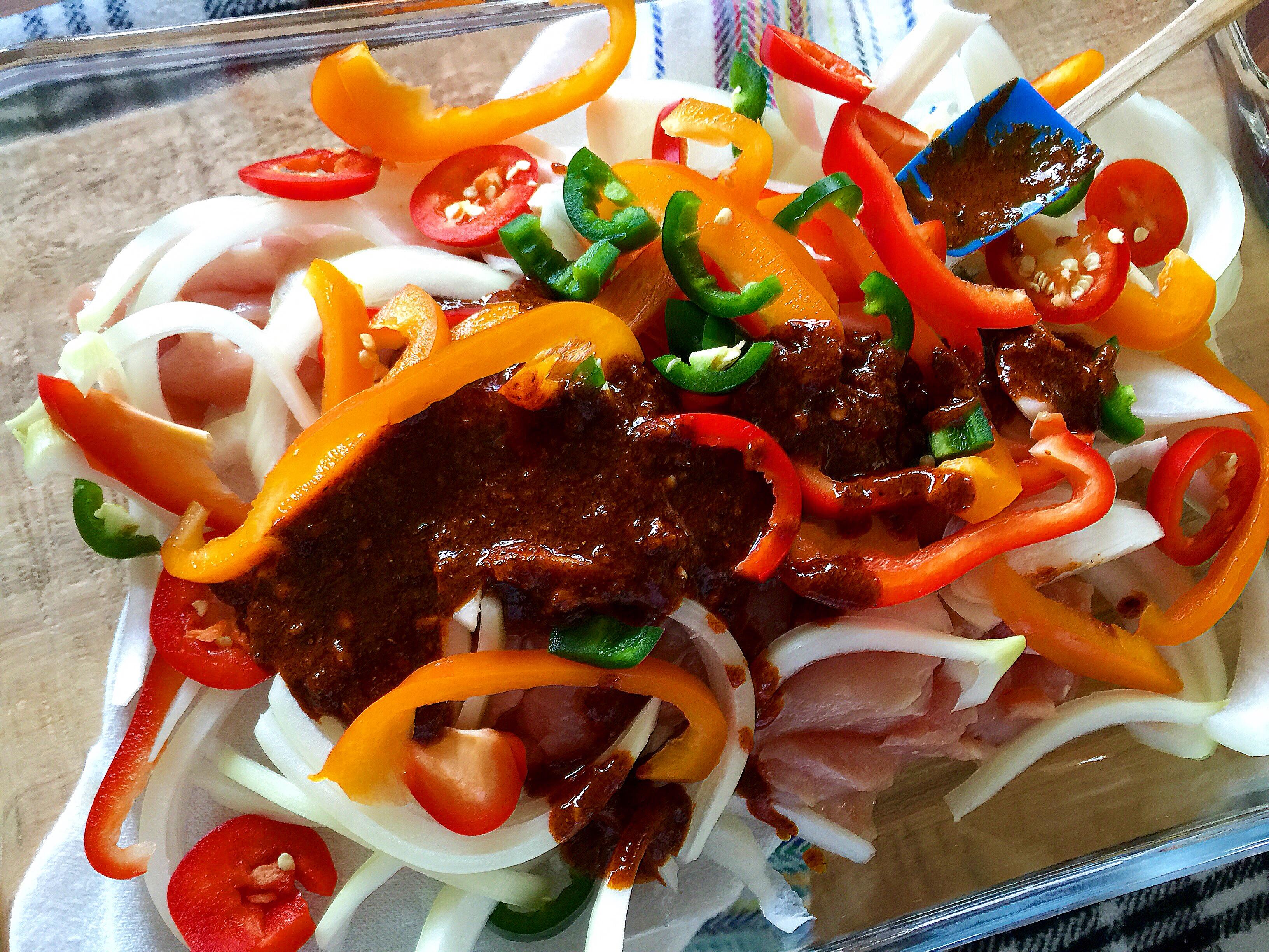 The EASIEST Homemade Chicken Fajitas — ((so tasty!))