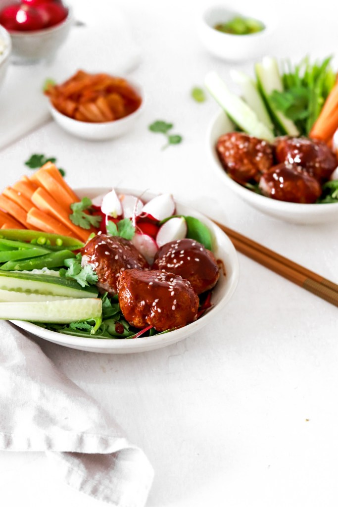 Korean Sticky Meatballs with Fresh Vegetables (Gluten, Grain, Dairy Free & Low Carb) From Front In Bowls