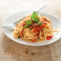 Pasta With Easy Fresh Tomato Sauce