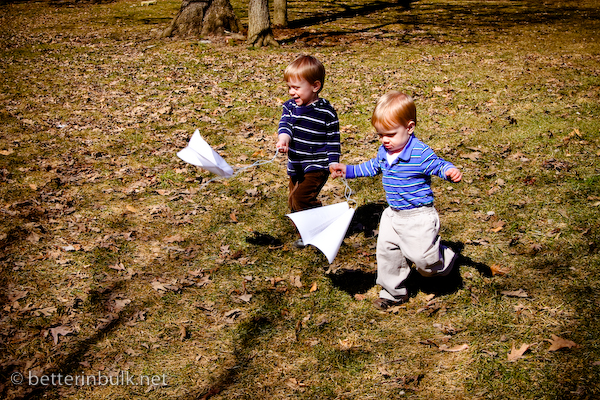 How to make an easy paper kite for preschoolers (it really works!)