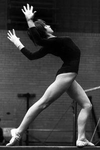 Nadia_Comaneci_1977