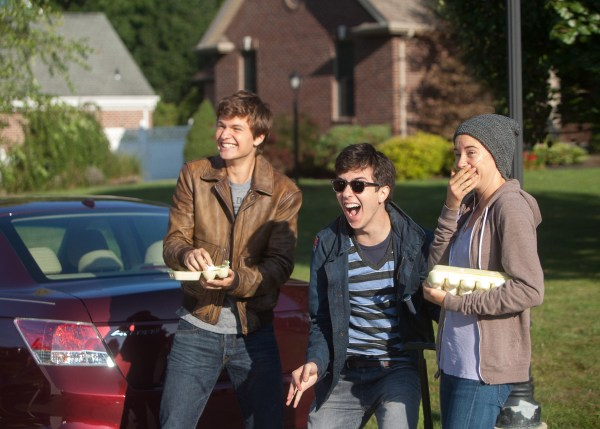 Gus (Ansel Elgort, left), Isaac (Nat Wolff) and Hazel (Shailene Woodley) enjoy their egg-throwing prank. Photo credit: James Bridges.