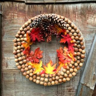 DIY Autumn Acorn Wreath Craft