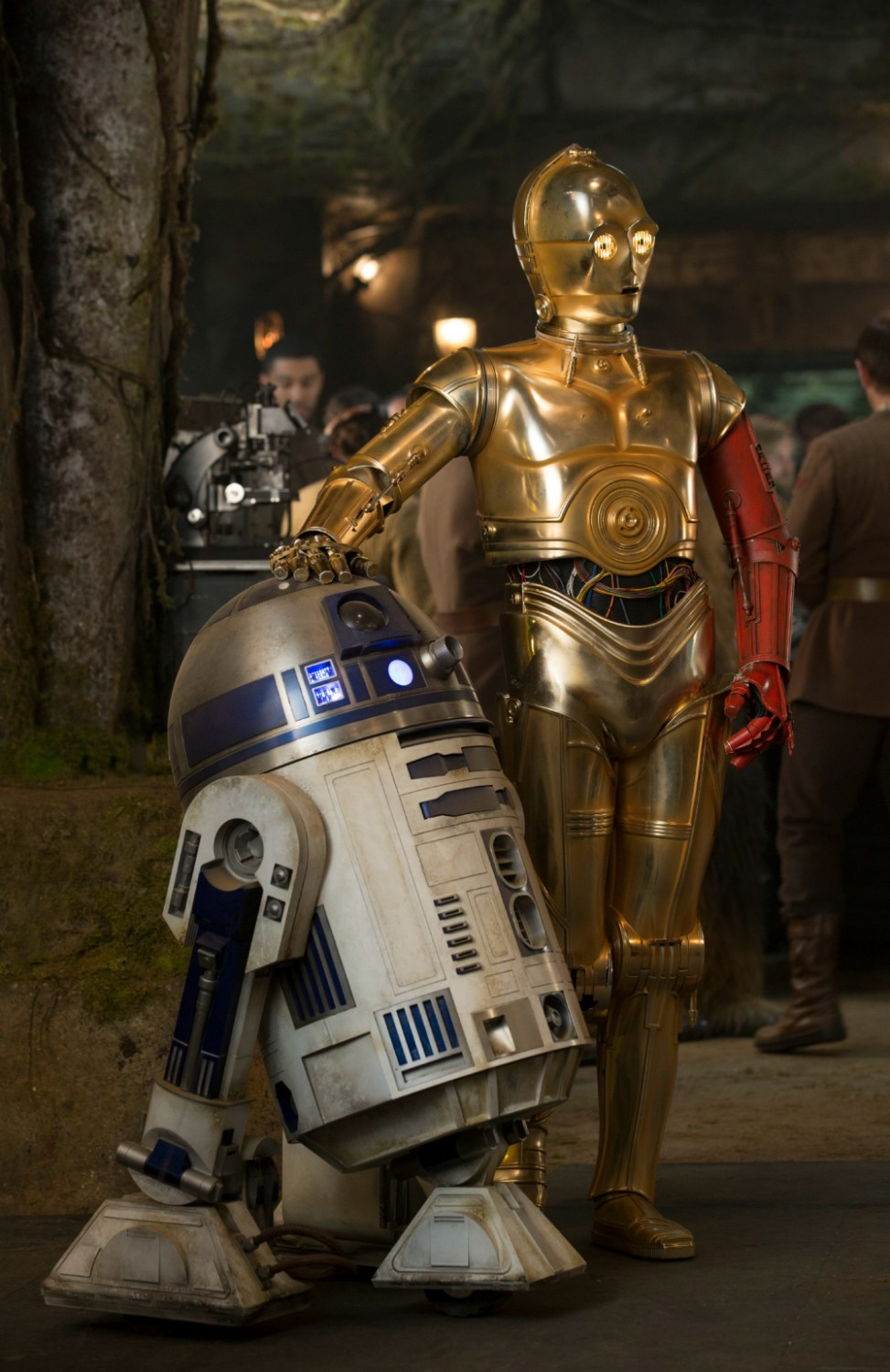 Star Wars: The Force Awakens - R2-D2 and C-3PO