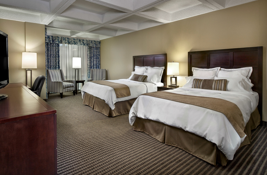 radisson-hotel-edmonton-south_-signature_room_-_2_queen_beds_2100x1371
