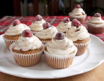 orange-cranberry-cupcakes-2-horiz