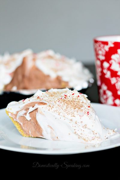 easy-peppermint-chocolate-cream-pie-1-682x1024