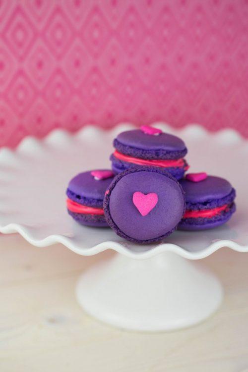 Valentine-Macarons-9-682x1024