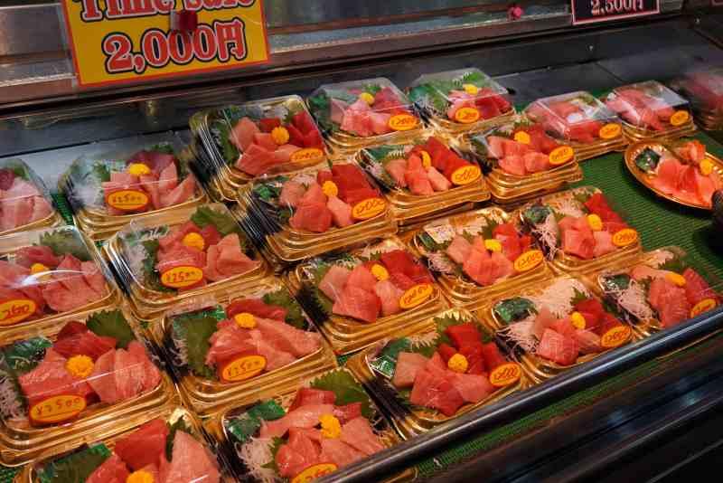 foodicles-kuromon-market-osaka-japan-7