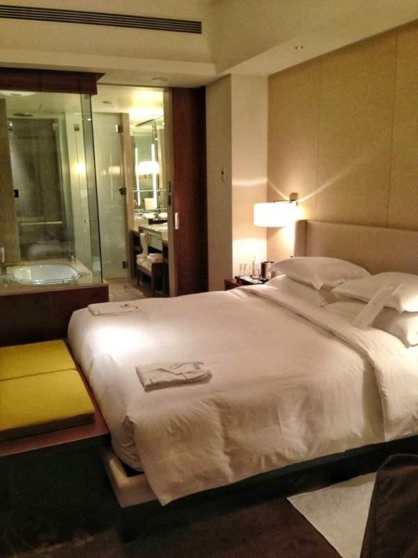 foodicles-tokyo-hotels-3-palace-hotel