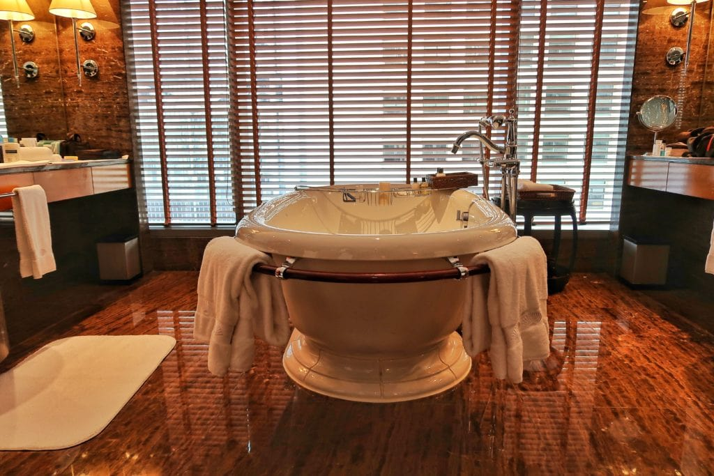 The Number One And Best Bathtub In Asia. The Mandarin Oriental Hong Kong  Suites Lavish Guests With Complete Comfort And Luxury.