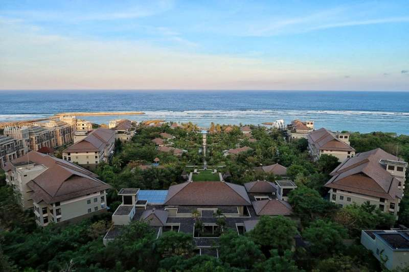3 reasons to stay in nusa dua in bali foodicles for Luxury places to stay in bali