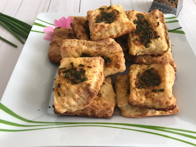 Cheddar Biscuits with Chives