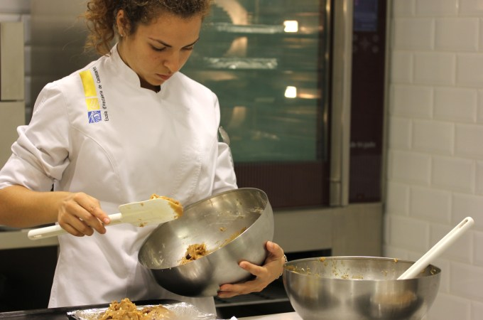 Baking School in Barcelona - student at Espai Sucre