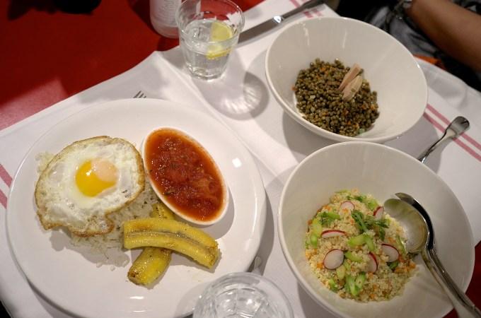 Rice ala cubana, lentils, quinoa slad