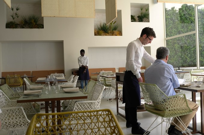 The main dining room of Disfrutar Barcelona