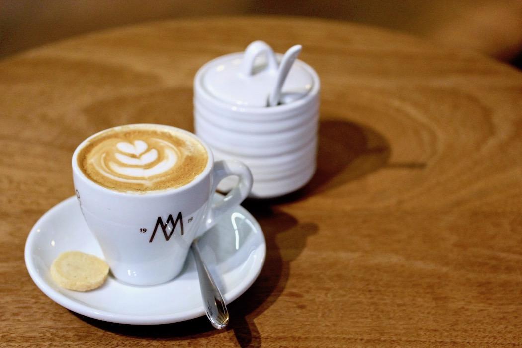 Perfect cafe con leche Mag Coffee by El Magnifico El Born