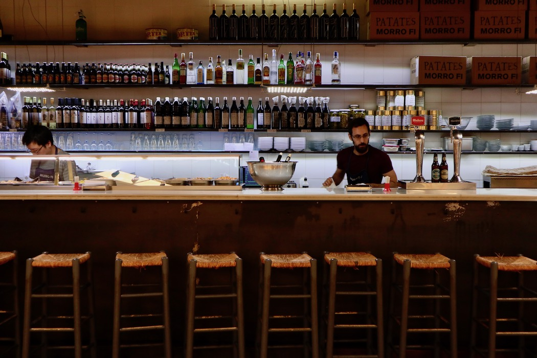 The bar at Morro Fi in L'Illa Diagonal