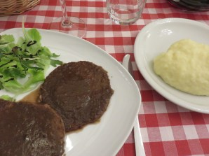 Braised beef with red wine of 'Barolo'