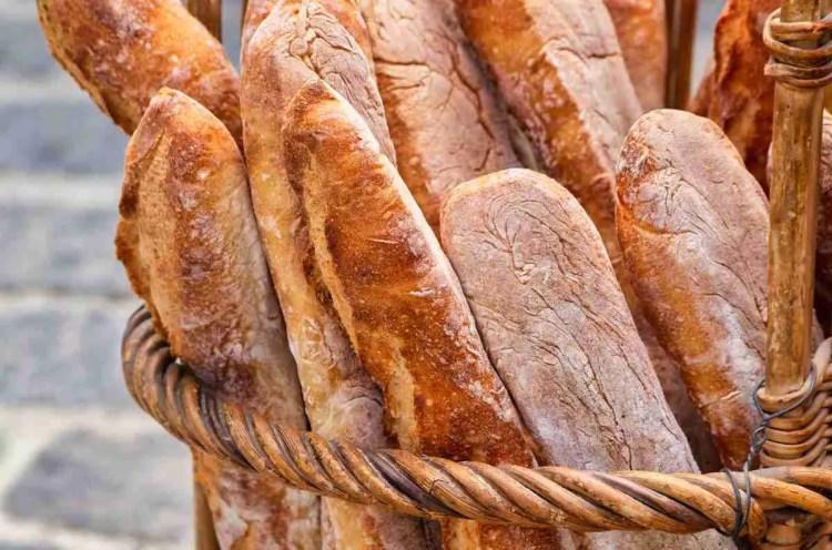 Pravi baguette zahtjeva dugo dizanje i višestruko premiješavanje
