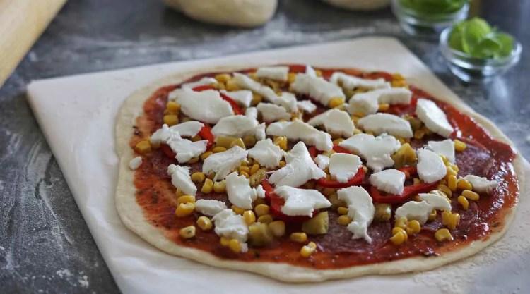 Ne pretjerujte s količinom nadjeva na pizzi jer će biti gnjecava