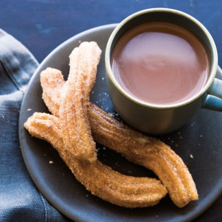 dec-30-hot-chocolate-with-churros-652x652