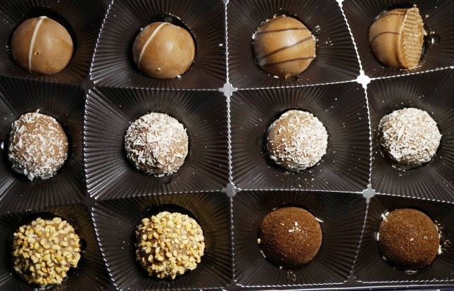 chocolate_truffles_box