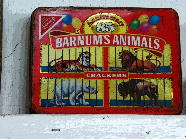 vintage-animal-cracker-box