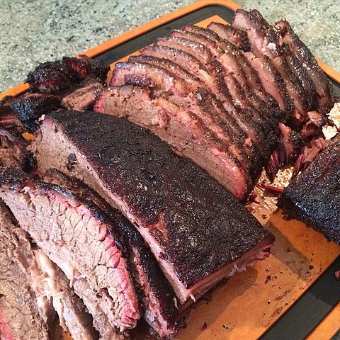 480px-friend27s_bbq_tasting_party_with_the_star_of_the_show-_franklin_bbq_brisket-_tastes_best_without_sauce_or_with_rudy27s_bbq_sauce_imho-_281650095009029