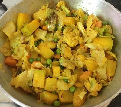 Bengali Labra Tarkari 9