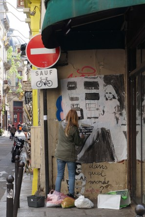 Graffiti in action, Saint Germain