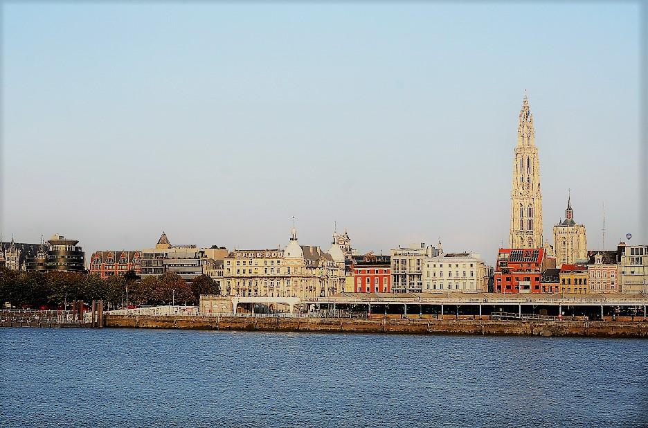 Antwerp, seen from de Linkerover