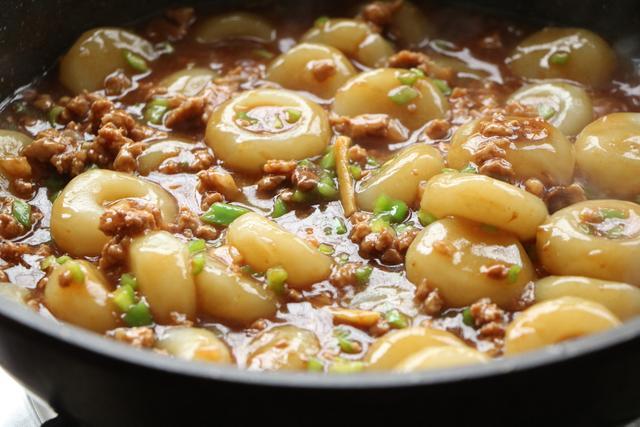 土豆好吃的做法,每次出锅汤汁都不剩