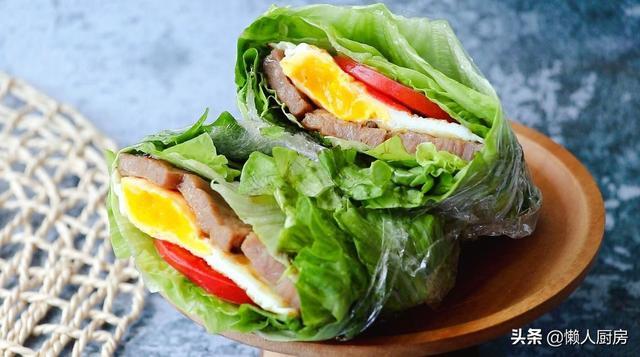 不用面包用保鲜膜代替,生菜三明治吃一口就爱上