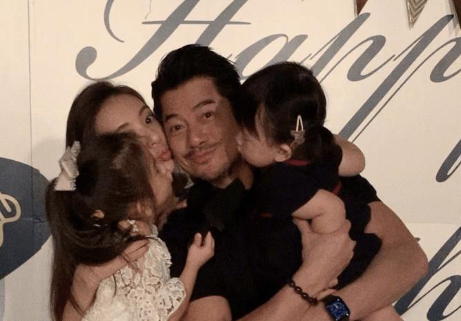 郭富城曬全家福慶祝55歲生日,方媛母女三人齊獻吻