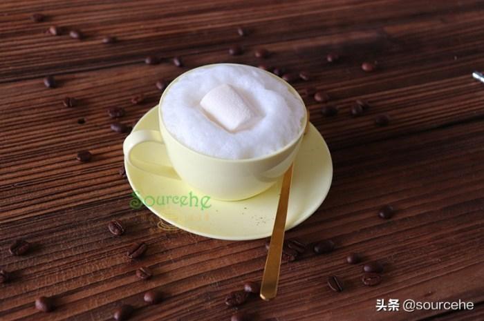 一杯熱乎乎的棉花糖咖啡,暖暖得很愜意