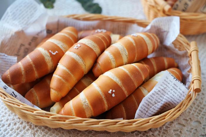 這小麵包外皮酥脆,越嚼越香,一口氣吃3個
