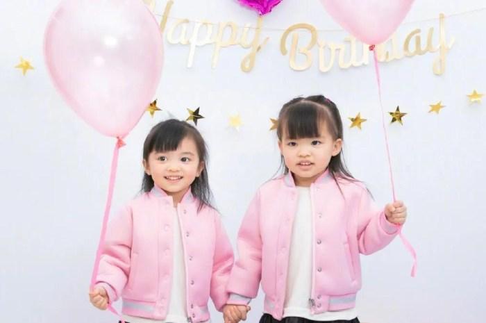 熊黛林為3歲雙胞胎慶生,倆女兒穿姐妹裝拍寫真