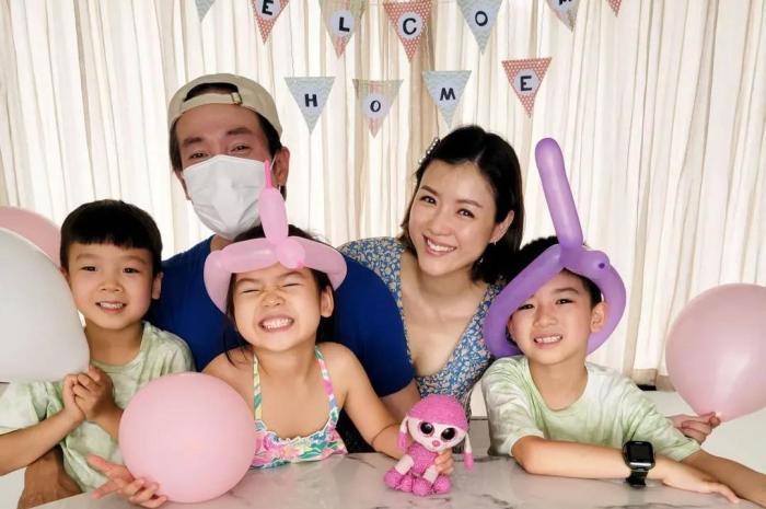 陳豪時隔2月和家人團聚,一家五口歡樂相擁畫面溫馨有愛超幸福