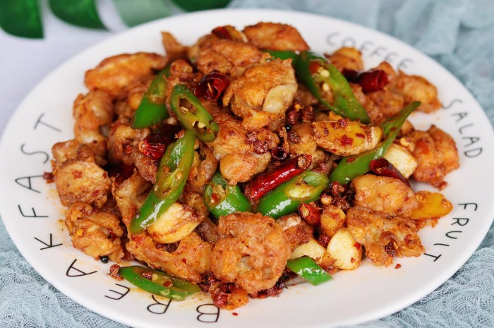 肥腸的家常菜做法,外酥裡糯下酒又下飯