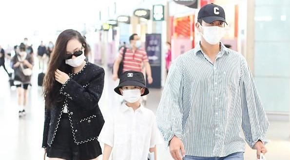 霍思燕一家走机场,杜江穿得像女人,嗯哼帽子2千多