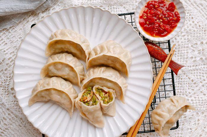 豆角做成饺子原来这么好吃,颜色翠绿不发黄皮薄馅多