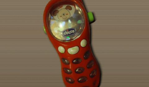 Телефон Chicco с музыкой, вибрацией и подсветкой клавиш