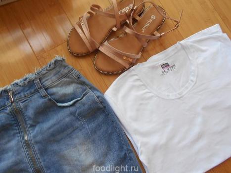 женская одежда для жаркого лета - юбка, футболка, сандалии