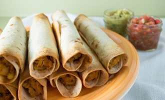 Yummy, crispy baked chicken chile taquitos are perfect as an on-the-go dinner, after school snack or freezer meal.