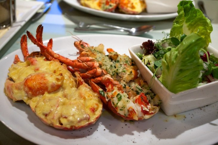 1024px-Lobster_Thermidor_entree