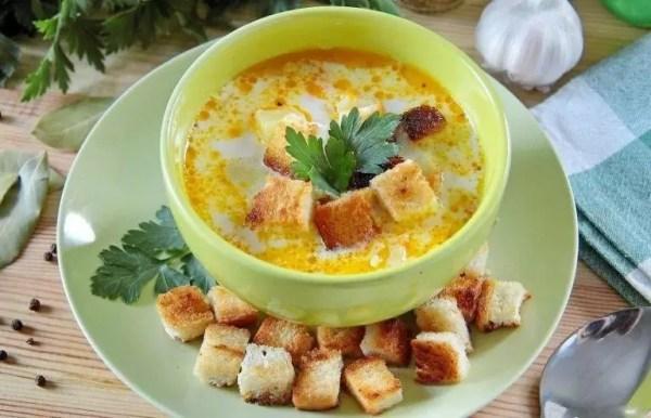 Рецепт Суп с курицей, рисом и плавленым сыром