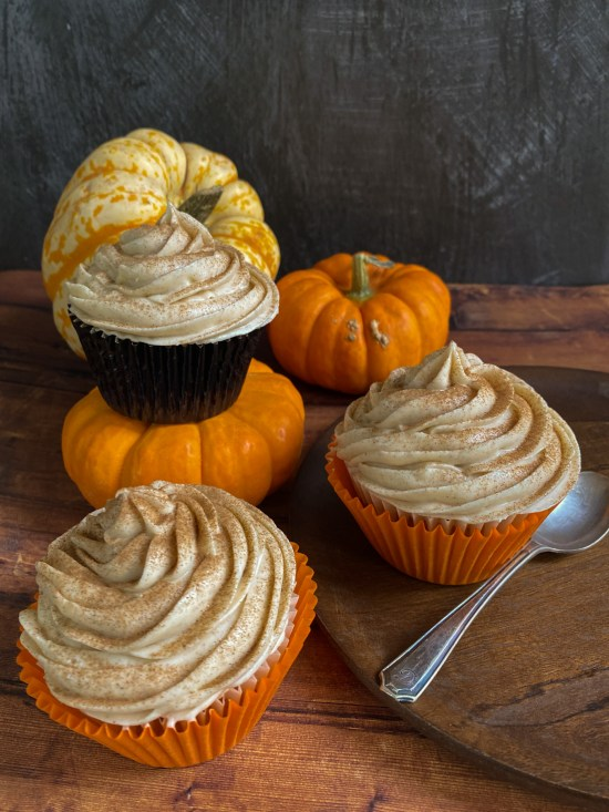 Spiced Pumpkin Cupcakes with Cinnamon Cream Cheese Frosting Recipe - www.foodnerd4life.com
