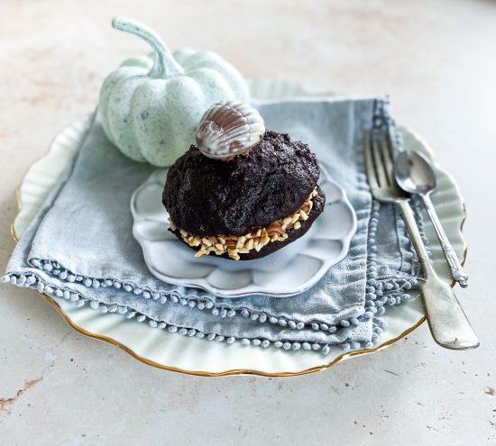 Hazelnut & Chocolate Whoppie Pies without Guylian Box - www.foodnerd4life.com