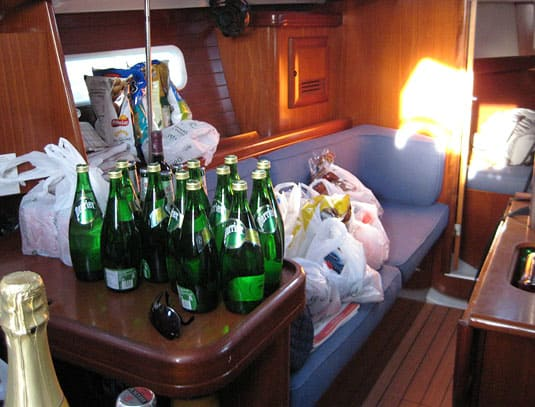 The sheer quantity of groceries we had to store into the boat was frightning at first, but we managed to fit everything in.